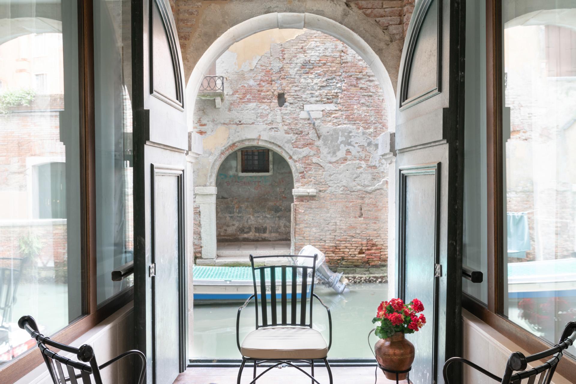 Fotografo di interni per hotel bnb appartamenti agenzie immobiliari interior design venezia best - Agenzie immobiliari bucarest ...